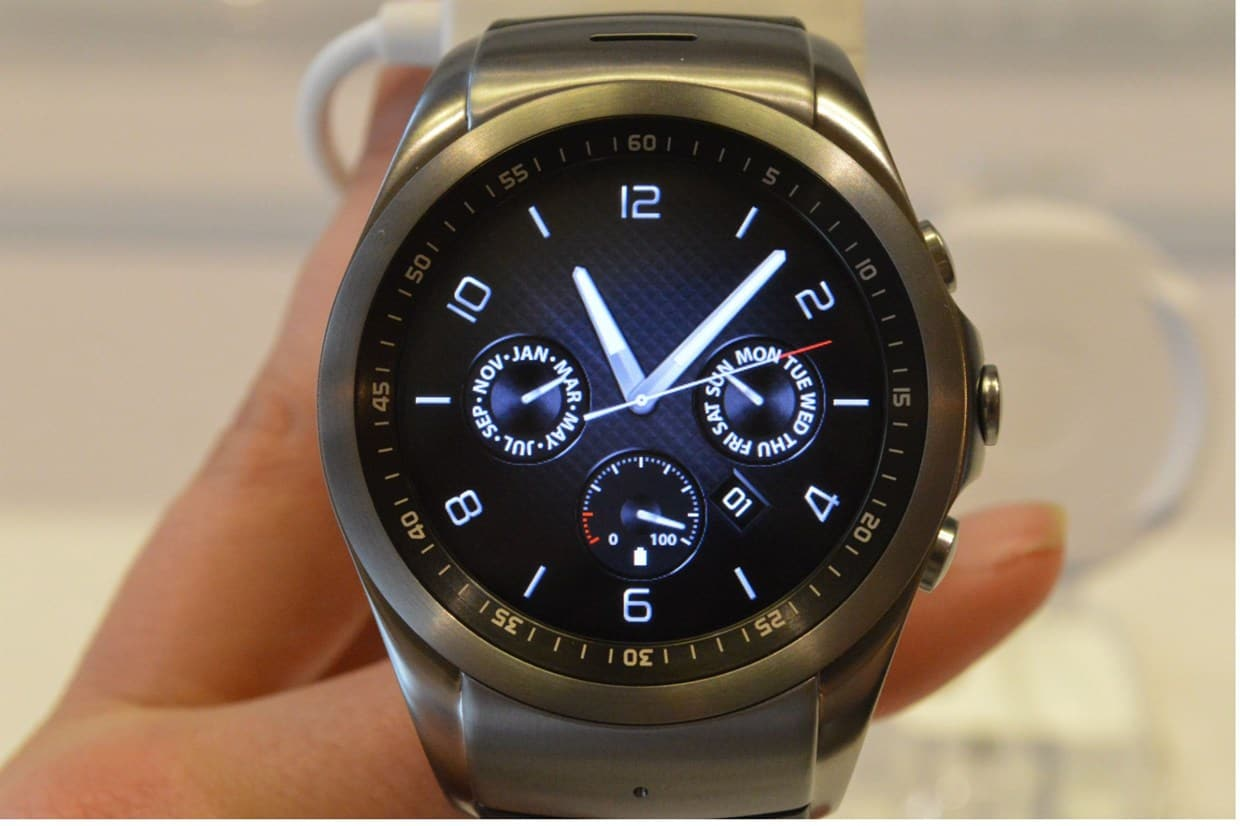 LG Watch Urbane 2nd Edition P-OLED Display